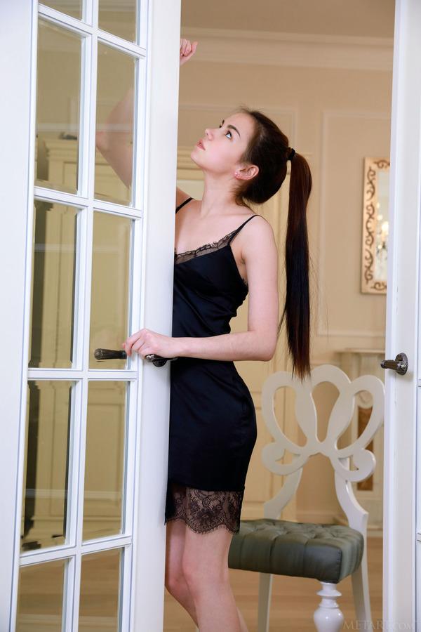 PHOTO   00 83 - Presenting Lorena Lust