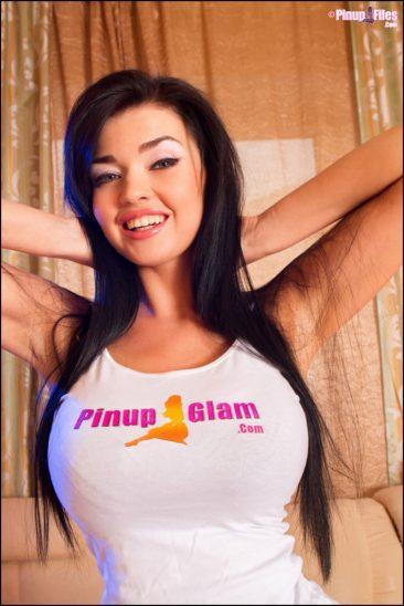 PHOTO | 13 1 366x548 - Big Tits Girlfriend
