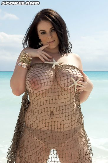 PHOTO   13 34 366x551 - Busty Mermaid