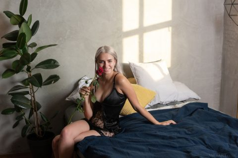 PHOTO | 00 21 480x320 - The Rose