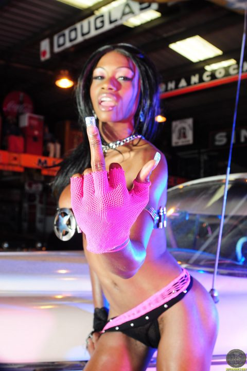 PHOTO | 00 69 480x722 - Black Barbie in Shiny Latex Boots