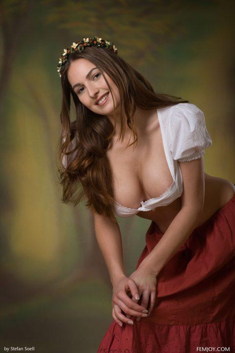 PHOTO   00 98 480x720 - Busty Beauty Karla S - Breathtaking