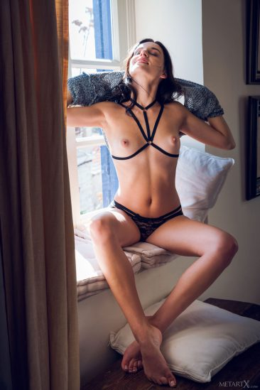 PHOTO | 02 39 366x549 - Sexy Sultana