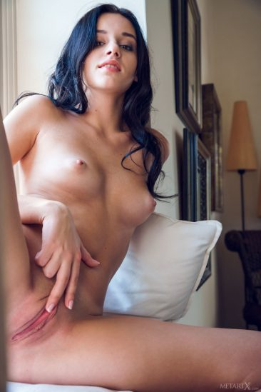 PHOTO | 12 39 366x549 - Sexy Sultana