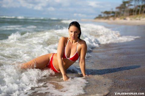 PHOTO   00 149 480x320 - Playboy Joelina