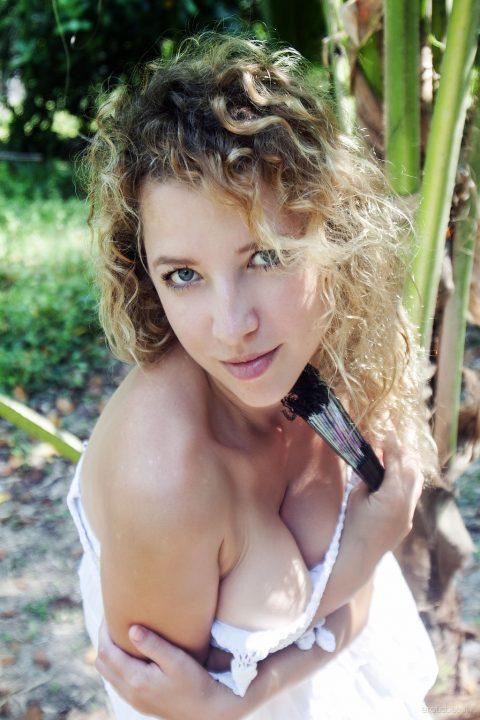 PHOTO | 00 25 480x720 - Large Nipples