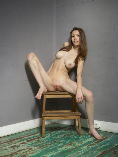 PHOTO | 00 96 480x639 - Milla Playing with her Fine Tits