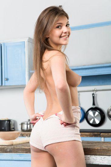PHOTO   01 72 366x549 - Horny Cooking With Teen Monika