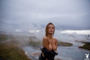 PHOTO   03 61 366x244 - Sensual And Naked Lady Allie Leggett