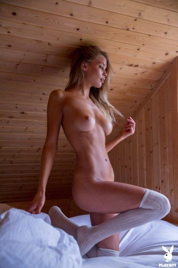 PHOTO   09 61 366x549 - Sensual And Naked Lady Allie Leggett