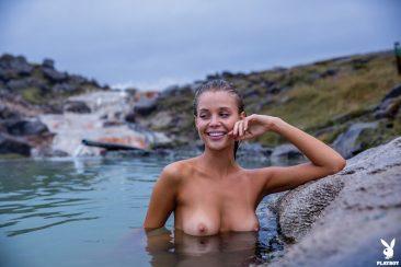 PHOTO   11 63 366x244 - Sensual And Naked Lady Allie Leggett