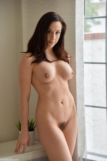 PHOTO   Chanel Going All Out 03 366x550 - Seductive MILF Chanel