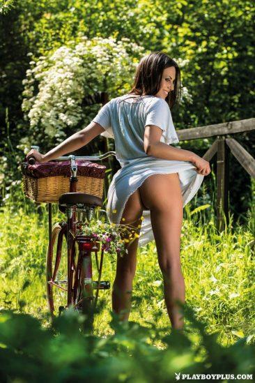 PHOTO | Simona Zuber 09 366x549 - Simona Zuber