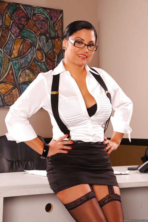 PHOTO | 00 179 480x719 - Sophia Lomeli Office