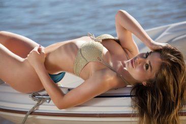 PHOTO | 02 31 366x244 - Fashion Lilii Stripping On Yacht