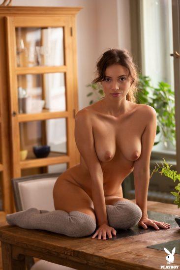 PHOTO | 07 121 366x549 - Calypso Muse Presents Her Amazing Nude Body