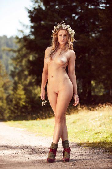 PHOTO | 08 162 366x549 - German MILF Patrizia Dinkel
