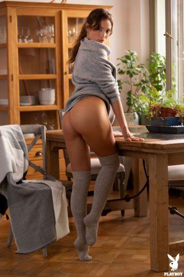 PHOTO | 10 124 366x549 - Calypso Muse Presents Her Amazing Nude Body