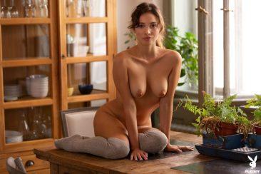 PHOTO | 12 123 366x244 - Calypso Muse Presents Her Amazing Nude Body