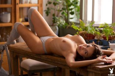 PHOTO | 14 120 366x244 - Calypso Muse Presents Her Amazing Nude Body