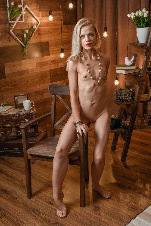 PHOTO | 00 7 480x719 - Young Blond Camelia Showing Her Sweeties