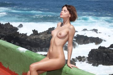 PHOTO   03 81 366x244 - Sexy Ariela In Tight Swim Suit