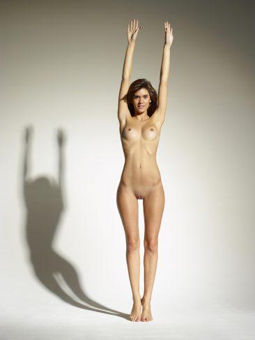 PHOTO | 07 36 366x487 - Leggy Girl Victoria R Body Balance