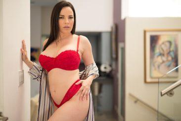 PHOTO   07 55 366x244 - Sexy Dana