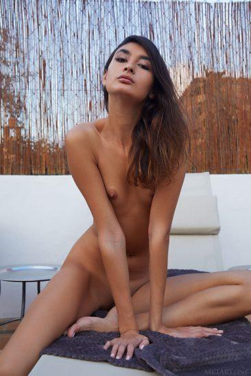 PHOTO | 13 24 366x549 - Ravishing Russian sweetheart Bambi Joli