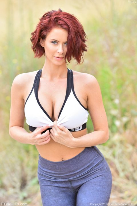 PHOTO   Emily Her Morning Workout 00 480x722 - Emily - Her Morning Workout
