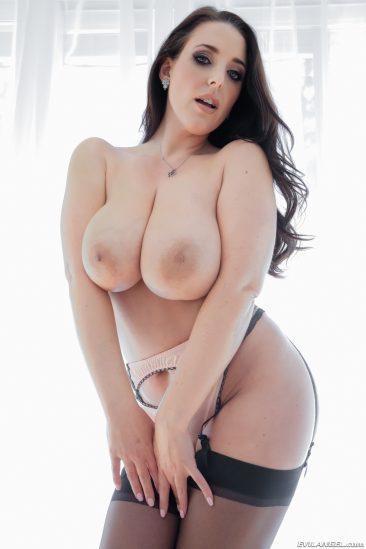 PHOTO | 04 32 366x549 - Huge Boobed Pornstar in Stockings