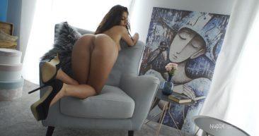 PHOTO | 13 41 366x193 - Sexy Babe Svet